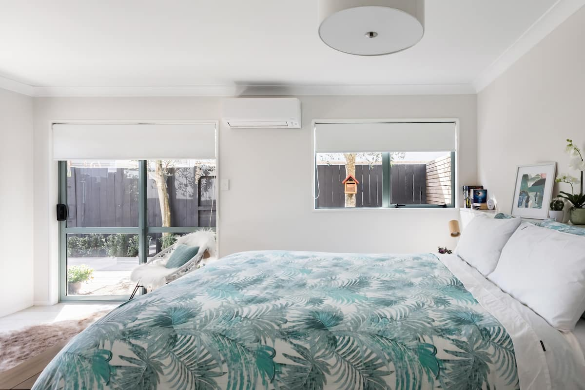 Escape to a Chic Beachside Studio Near Shops and Cafes