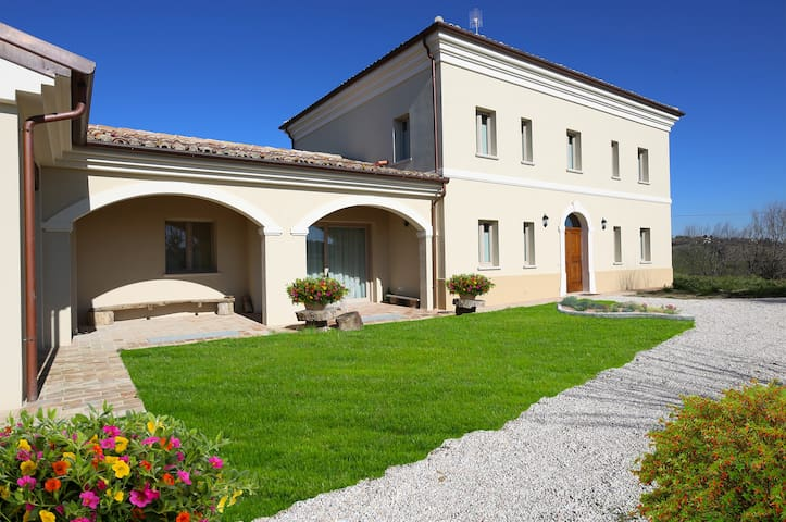 Villa Marietta Country House - Montemaggiore al Metauro - Bed & Breakfast