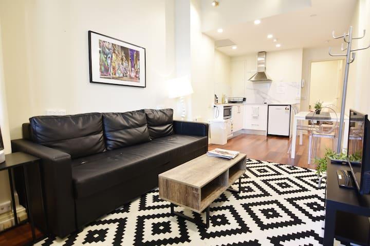 2BR Divine Suites in Sydney CBD