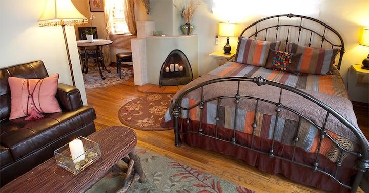 Honeymoon Suite at Casa de Tres Lunas