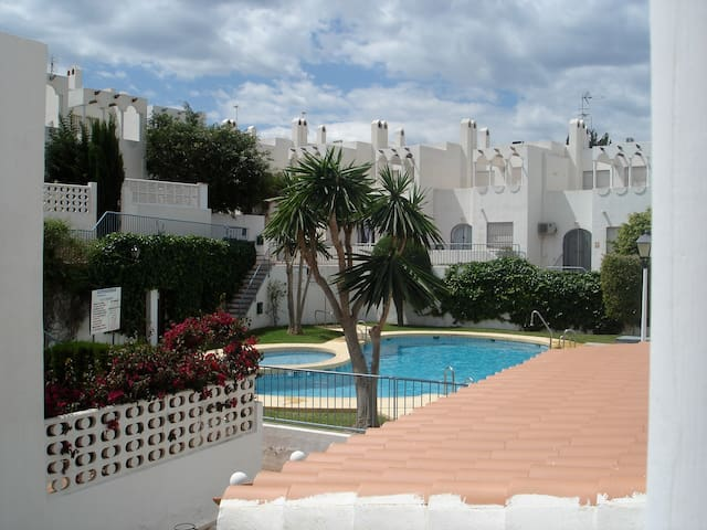 2 Private rooms in poolside house - Mojácar - Huis