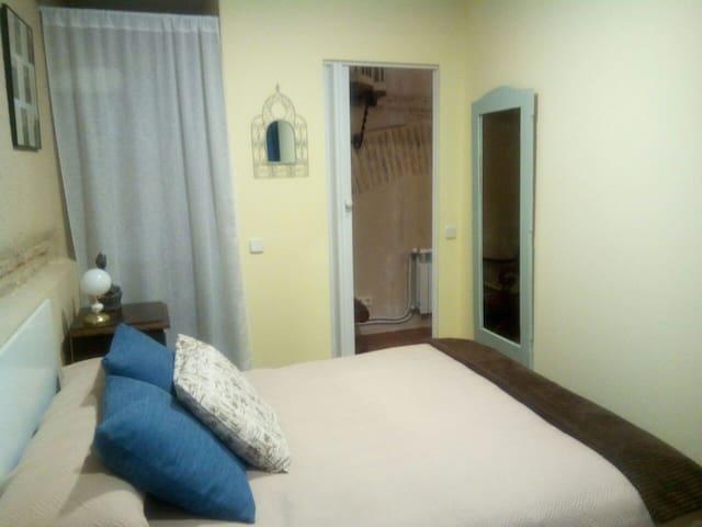 Habitación doble con vestidor