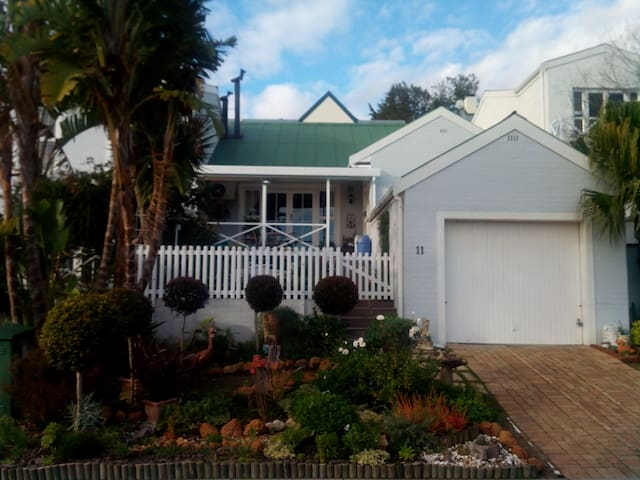Berghoewe Private Estate (House) Somerset West