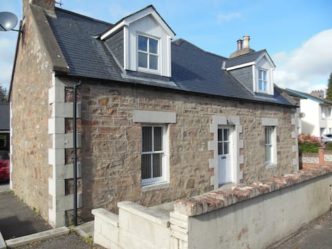 Culduthel Cottage, Private Room/En-Suite, Parking
