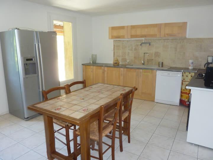 Appartement dans Maison provençale en campagne