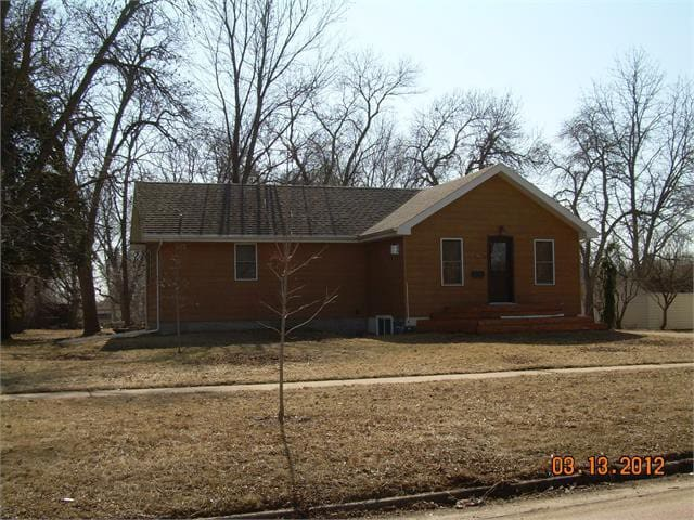 Near Downtown- Cabin Style Home! - Brookings - Hus