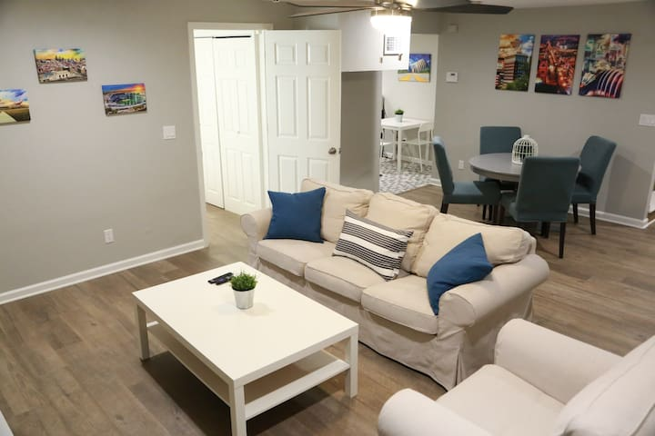Overland Park Apt: Clean, Comfortable, Coffee Bar