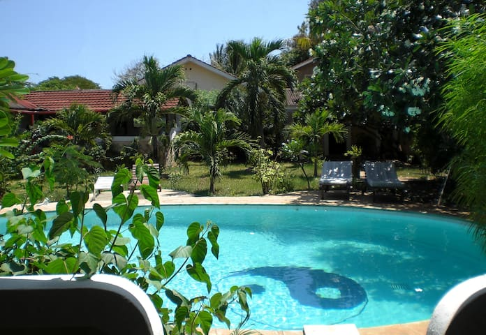 "Frangipani Cottages ""Mnazi I"" - Diani Beach - Apartment"