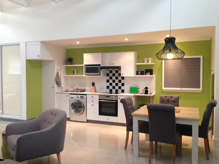 9A The Cube Executive Self-Catering Apartments