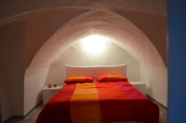 Peaceful room in the ancient plaza - Ceglie Messapica - Daire