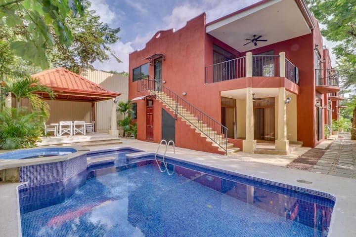 Beautiful and Affordable Condo in Tamarindo