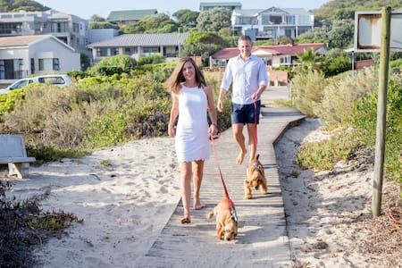 Boardwalk Self Catering: Only 20m to the beach! - Groot Brakrivier - Apartment-Hotel