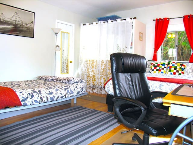 Relaxing Escape/Hip Area/Close2Attractions