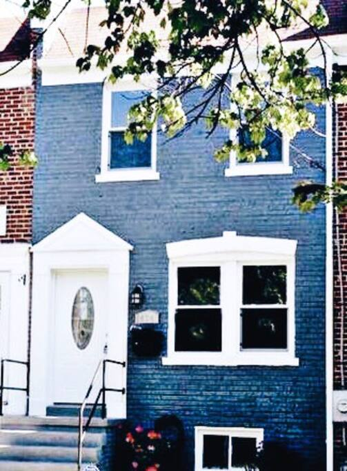 The newly renovated row-home is located in a peaceful residential area with easy access to Capitol Hill, the Mall's museums and monuments, Nationals Park, and lots of great nightlife and restaurants in Navy Yard and the new Warf Waterfront.