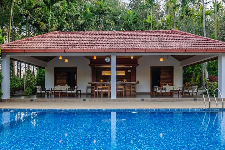 ★Tall Silver 2BR★River Facing Pvt Pool @ Coorg