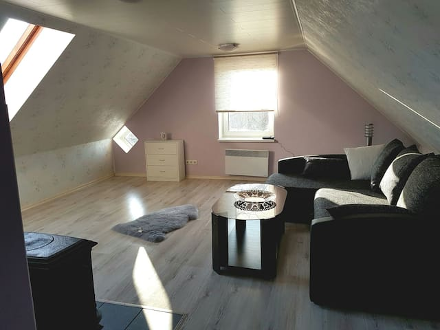 Lovely attic apartment close to the sea - Pärnu - Appartamento