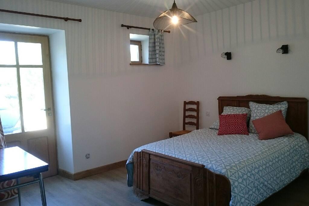 La chambre de julie avec salle de bain priv e maisons - Chambre a louer yverdon les bains ...