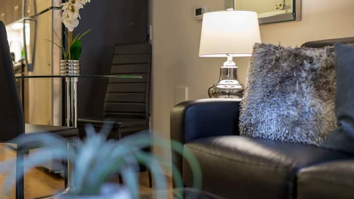 Spacious Studio whether for business or leisure, self-checkin