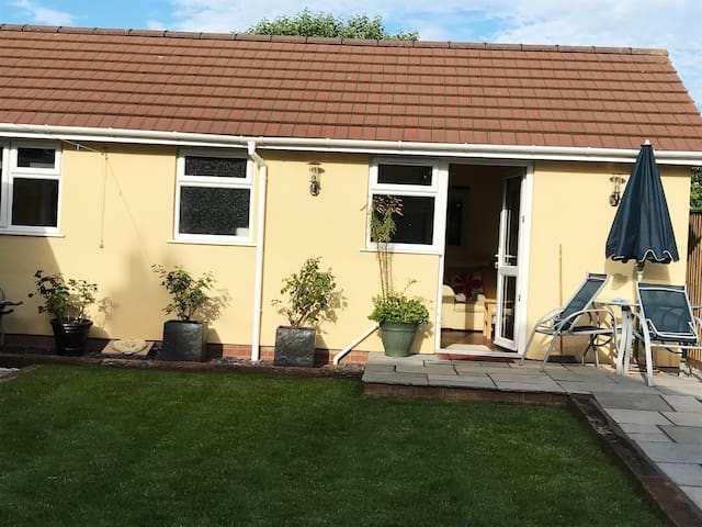 Lovely Bungalow  near the  Exe Trail in Exmouth