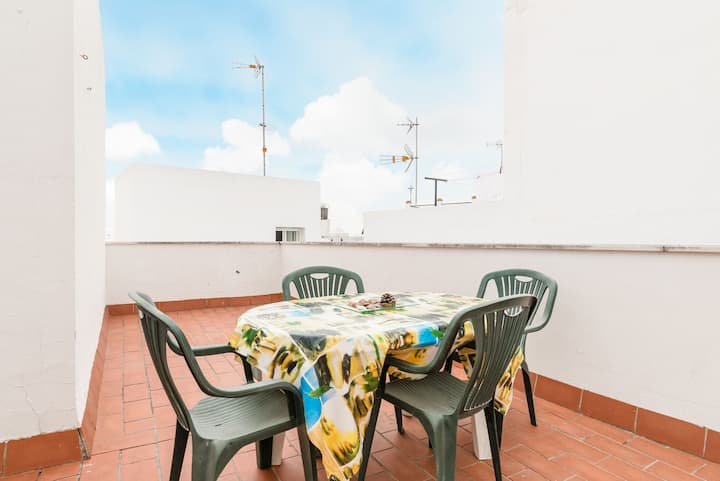 Central and with private rooftop terrace - Apartment Miramar