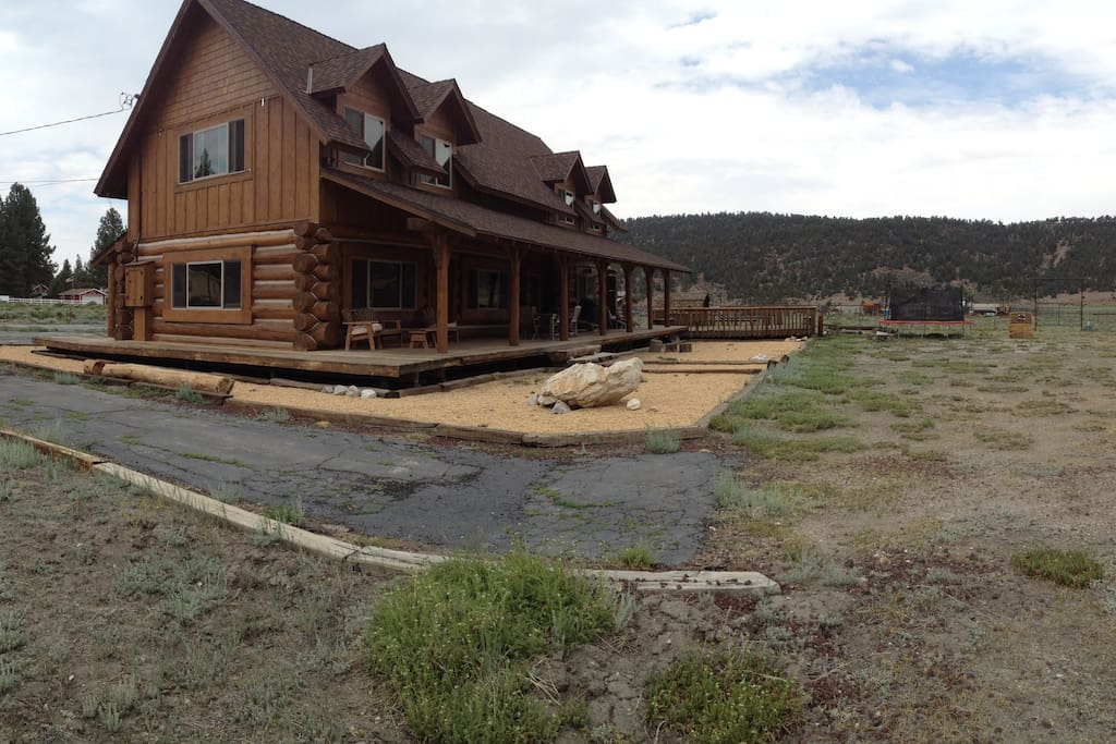Big bear log cabin ranch 2 acre horse property cabins for Big bear cabins california
