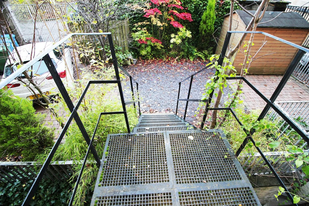 Garden & parking.
