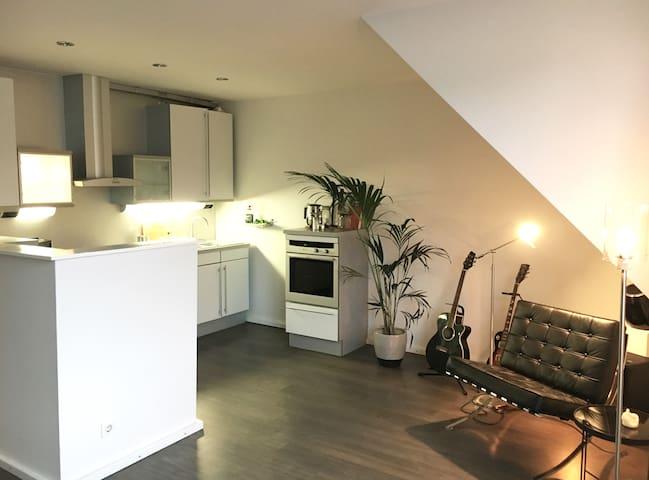 Moderne Maisonette Wohnung in TOP Lage! - Hambourg - Appartement