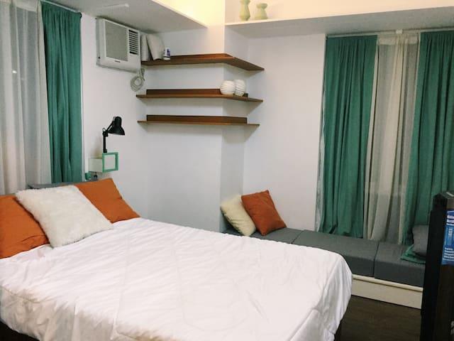 1 Bedroom Scandinavian Condo Unit near Buendia LRT