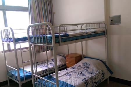 上下舖3+1人房套房 - Yuchi Township - Dormitorio compartido