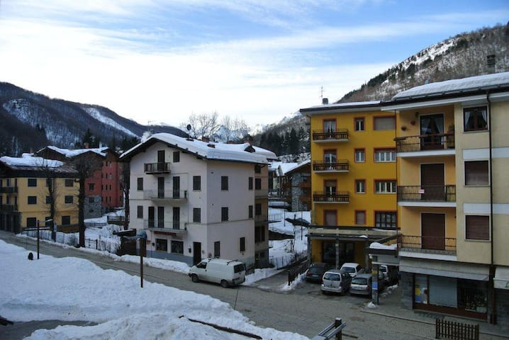 LIMONE - Little and beautiful 3 rooms close to the ski lifts with terrace - LIMONE PIEMONTE - Apartamento