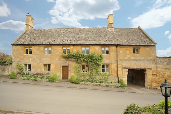 The Loft, Newlands Farmhouse, Cotswolds