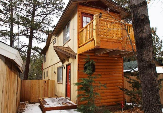 Juniper Log Cabin - Quiet neighborhood! - Sugarloaf - Ev