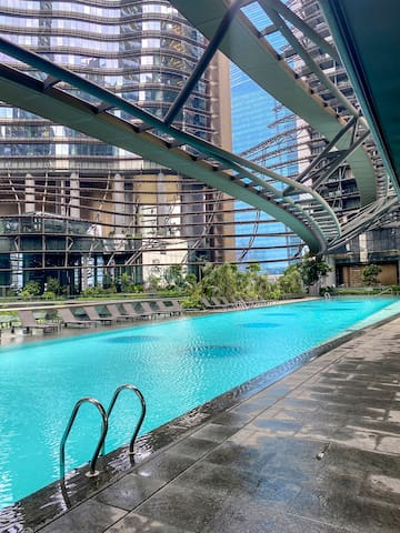 Great location, opposite to Marina Bay Sands