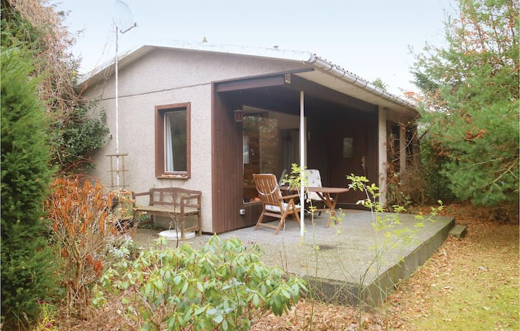 Holiday cottage with 2 bedrooms on 35m² in Rerik