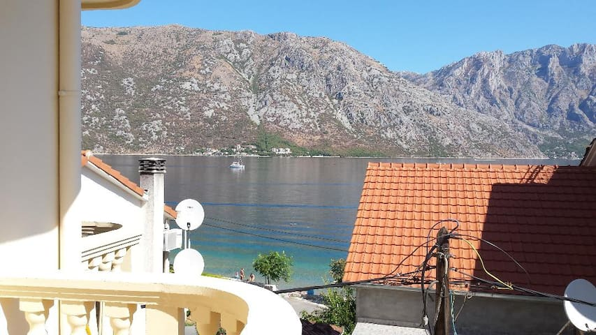 Kotor apartment with magnificant beach views