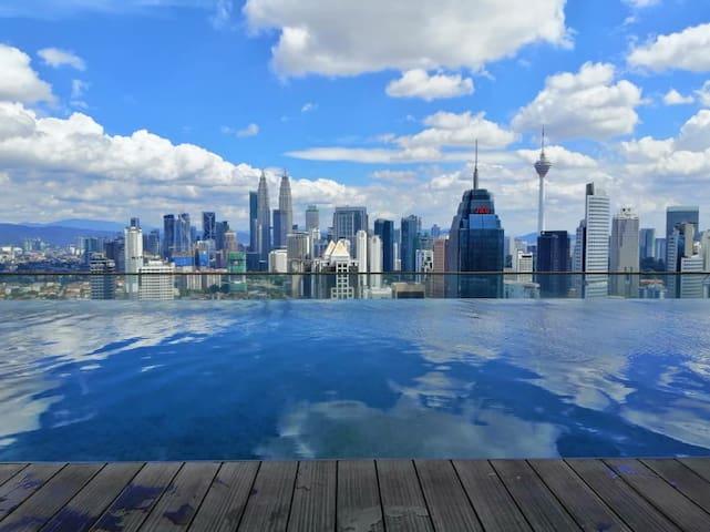 Cozy, Modern Design Suite/ KLCC Infinity Pool