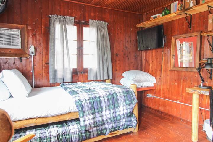 Mackinaw Timbers - Cabin #8