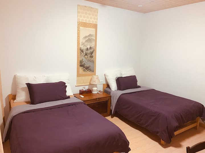 双床房(1.2米宽床二张)