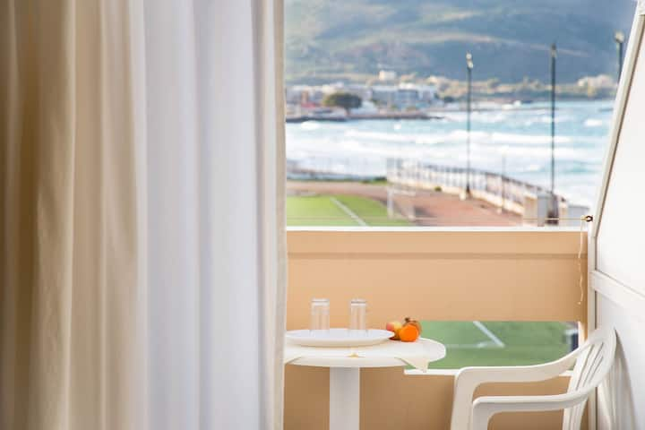 Tranquil Beach rooms in Kissamos