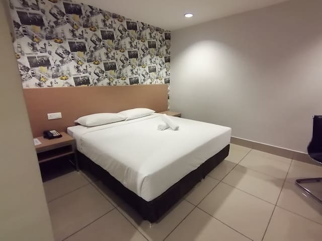 King Room @ HUT Apartel Pudu