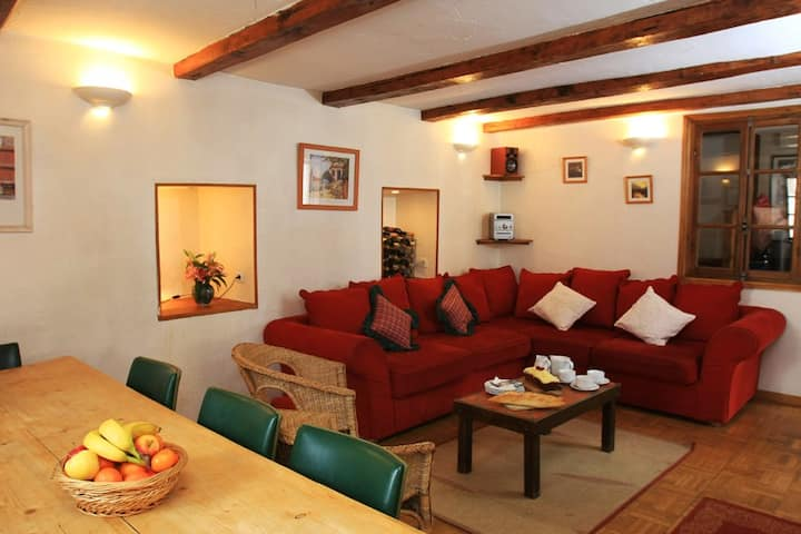 Lovely Family/Friends Chalet - Sleeps 10 & Central