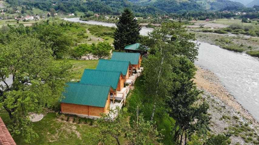 Cottage with River View (3 single beds)
