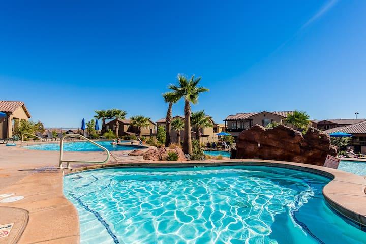 Perfect Group/Family Retreat, Amazing Views!!! - Santa Clara - Huis