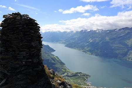 Rooms for rent in BEAUTIFUL Hardangerfjord