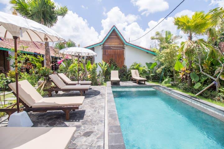 Sunny Bali Cabins in Canggu Village Fiber WiFi #D2