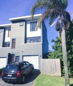 Avondale/New Lynn Room 1 - Auckland - Sorház