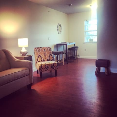 Valley Charming New One Bedroom Apt - Amherst - Flat