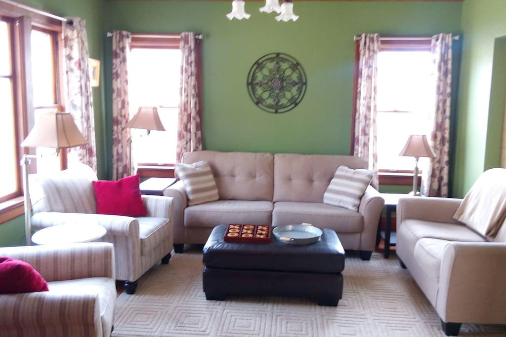Large living room. Newly furnished w/ Flat screen tv