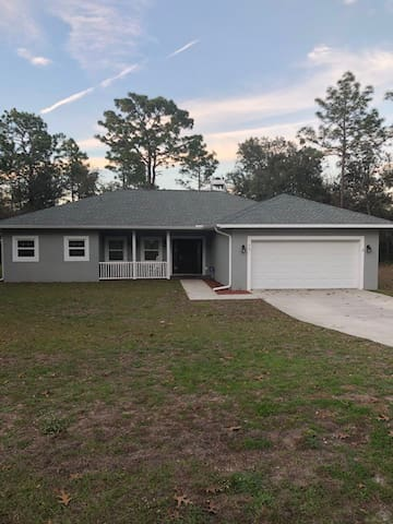 No cleaning fees! Home on 1 acre! Bring your boat!