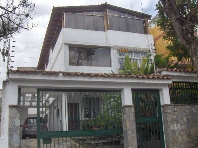 Anexo con hermosa vista al Avila - Caracas - House